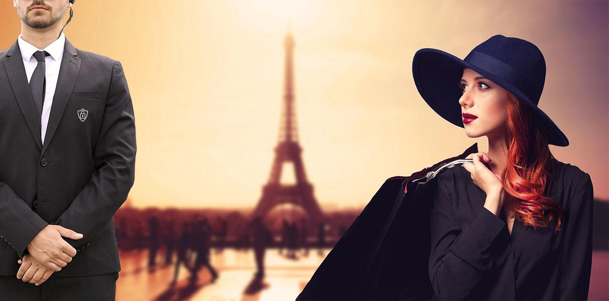Agent de sécurité, jeune femme élégante avec un sac et au fond la tour Eiffel